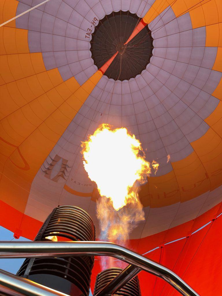 Koken en eten in een luchtballon • Bijzondere restaurants